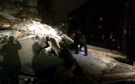 Nổ khí gas làm sập nhà năm tầng, ít nhất bốn người chết
