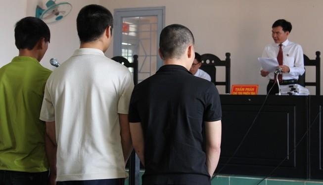 Bảo vệ Công ty Long Sơn thực nghiệm hành vi chém người