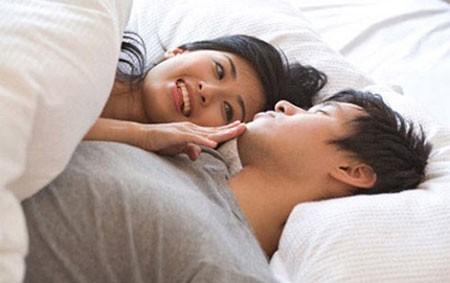Cô vợ ghi lại toàn bộ những câu nói mê khi ngủ của chồng