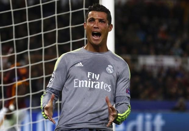 Ronaldo: 'Real vẫn còn cạnh tranh ngôi vô địch với Barcelona'