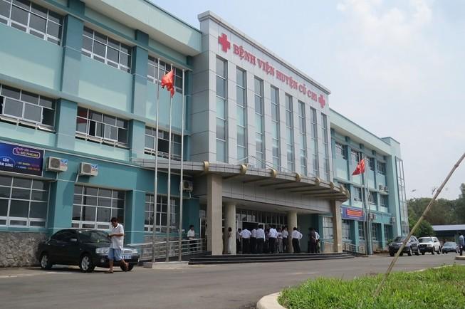 Có hơn 6.000 bệnh nhân khám bệnh tại phòng khám vệ tinh