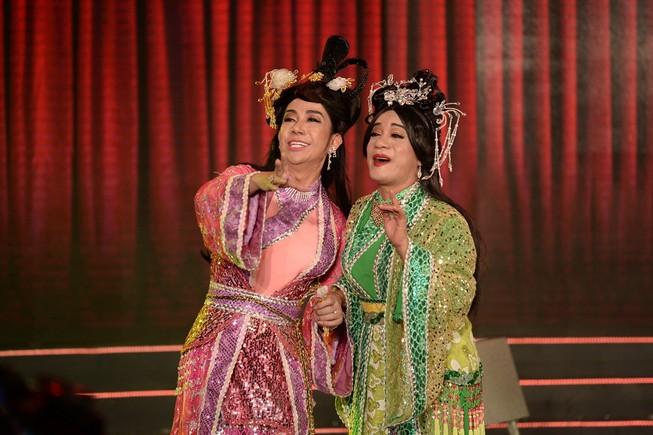 Minh Nhí, Long Nhật giả gái làm Thúy Vân, Thúy Kiều