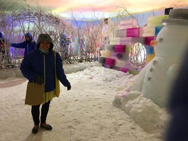 Trải nghiệm băng giá, tuyết rơi giữa Sài Gòn