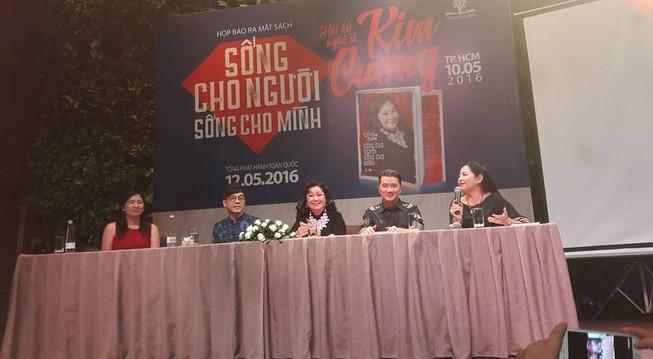 Văn nghệ sĩ nổi tiếng tham dự ra mắt hồi ký của Kỳ nữ Kim Cương