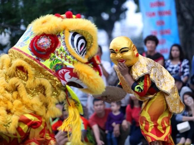 Liên hoan lân sư rồng trên phố đi bộ Nguyễn Huệ
