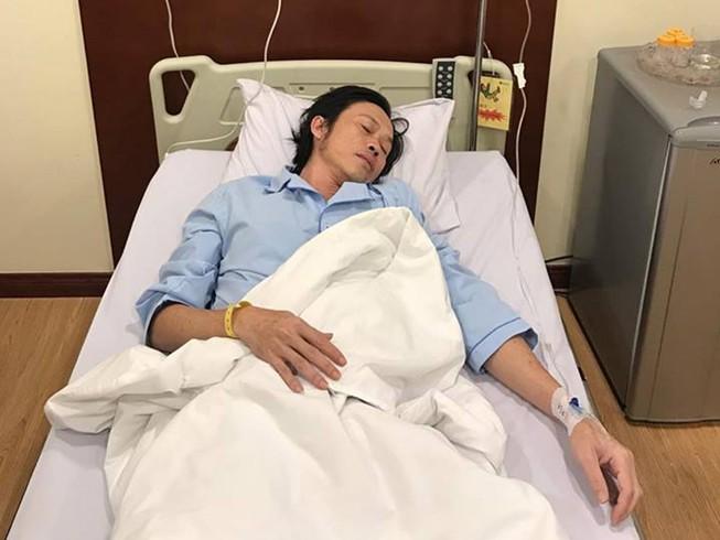 Hoài Linh nhập viện cấp cứu, tạm hoãn liveshow