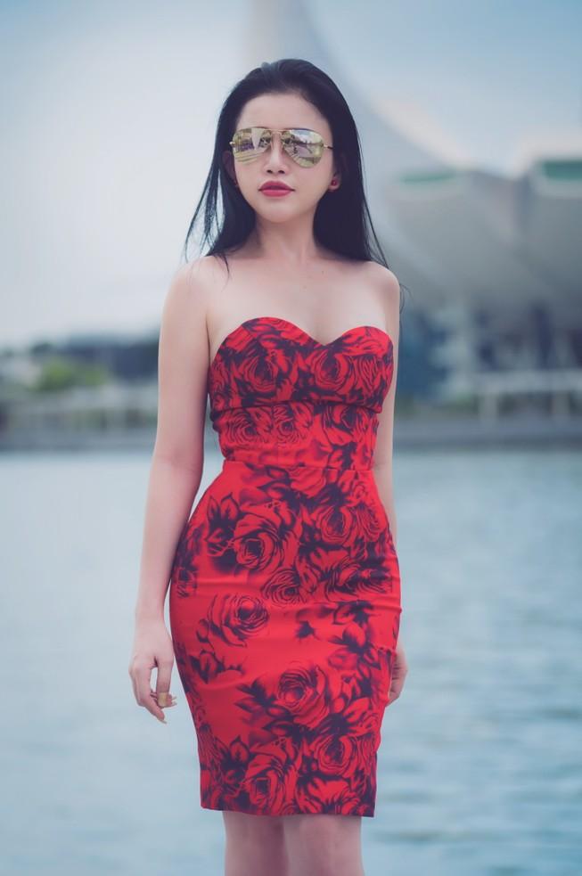 Hoa hậu Janny Thủy Trần đến Singapore đóng phim