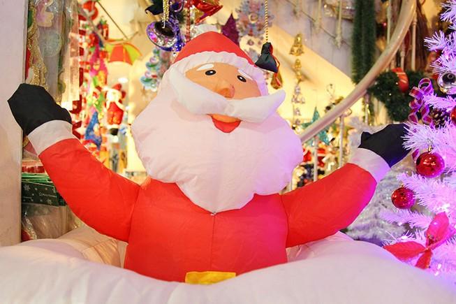Ngắm quà Giáng sinh ngộ nghĩnh ở Sài Gòn