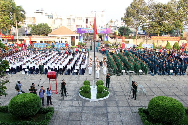 Hàng ngàn thanh niên TP.HCM lên đường tòng quân