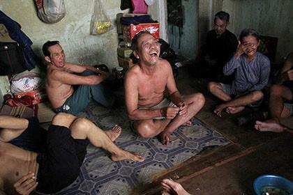 Cuộc sống của 'Đại gia đình' 37 người bán vé số ở Sài Gòn