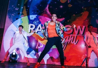 Dàn sao Việt đốt cháy sân khấu mừng 'tết' của cộng đồng LGBT