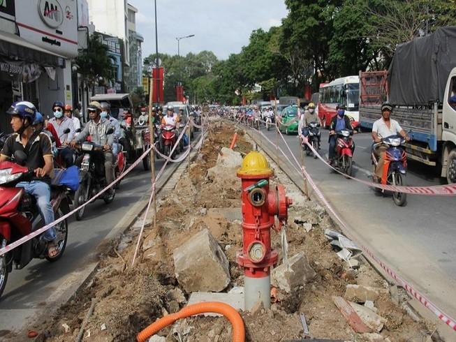 TP.HCM: Lô cốt bủa vây đường phố dịp cuối năm