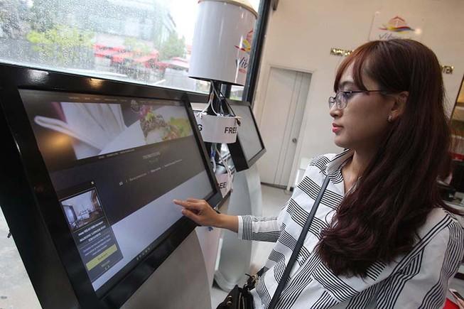 Trạm thông tin 'thân thiện' kéo du khách đến TP.HCM