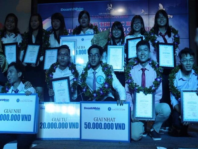 Cao lá sâm giành giải nhất thi tài năng Lương Văn Can