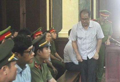 Phạm Công Danh trả 5 khoản lãi khi vay tiền nhóm Trần Ngọc Bích