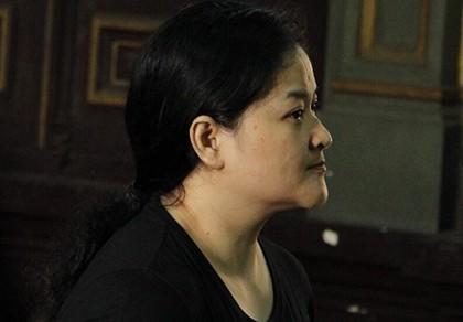 Một phụ nữ nước ngoài vận chuyển cocaine thoát án tử