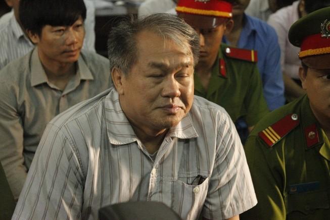 Luật sư của Phạm Công Danh và nhóm bà Trần Ngọc Bích đòi công tố phải tranh luận