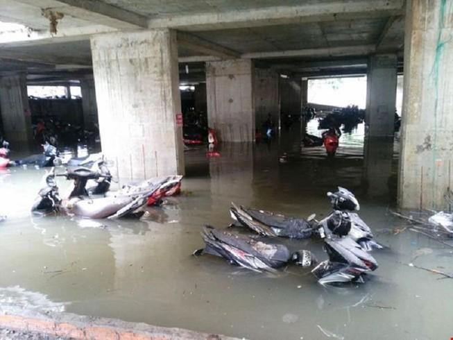 Xe ngập trong nước bị hư có được bồi thường?