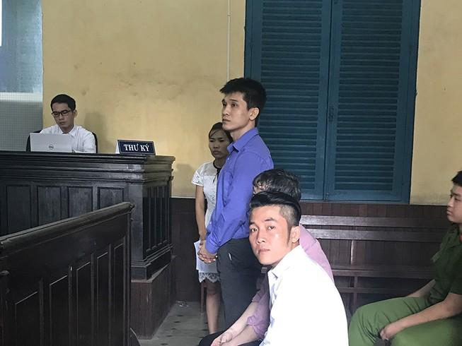 2 người Hàn Quốc phạm tội sang Việt Nam buôn lậu