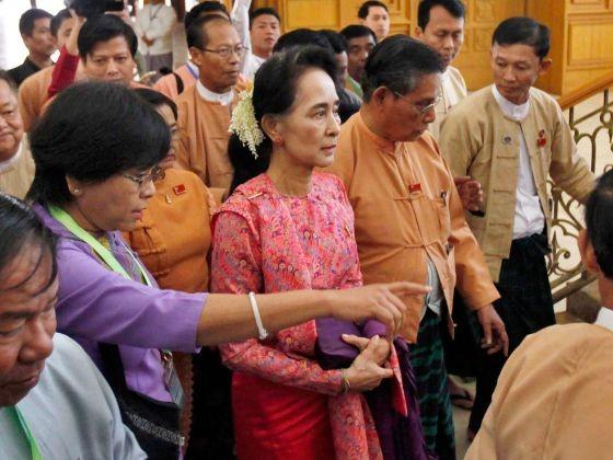 Myanmar: Các cựu tù chính trị có điều hành được đất nước?