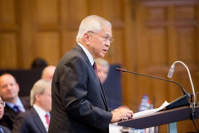 Ngoại trưởng Philippines từ chức