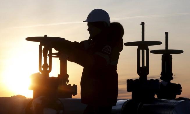 Tại sao giá dầu vẫn không tăng?