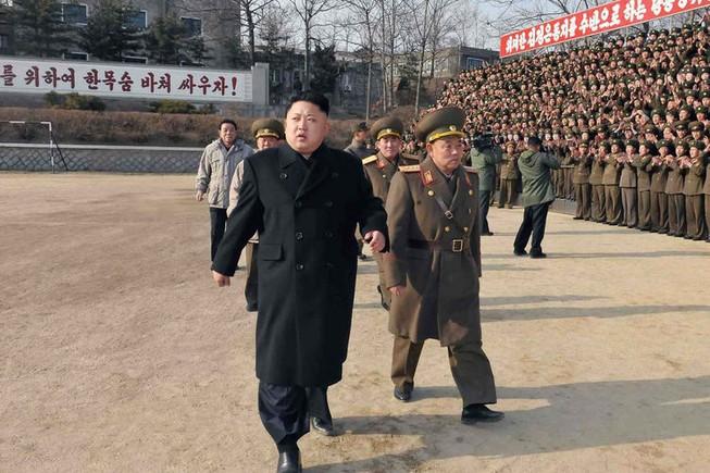 Ông Kim Jong Un gác việc quân lo dân sinh