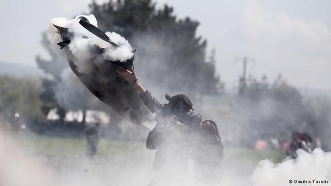 300 người nhập cư bị thương vì cố vượt qua Macedonia