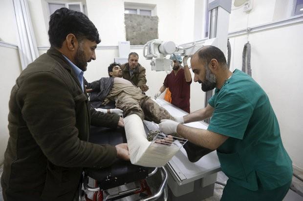Taliban đánh bom khiến 28 người chết, hơn 329 người bị thương