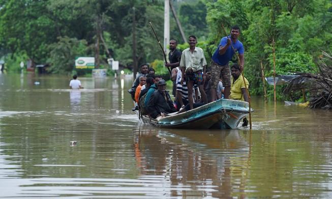 Lở đất khủng khiếp ở Sri Lanka, hàng trăm người chết