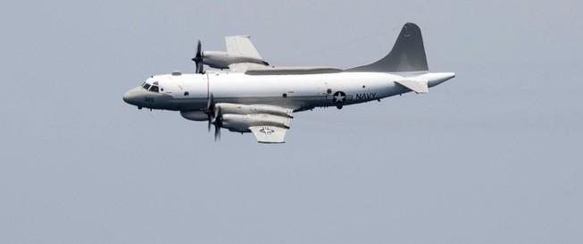 Máy bay Trung Quốc quấy rối máy bay Mỹ ở biển Đông