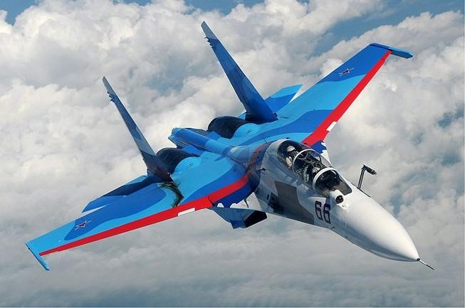 Cận cảnh máy bay Su-30 của Nga