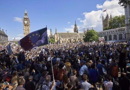 Brexit: Không phải dân Anh muốn 'chia tay' EU là được