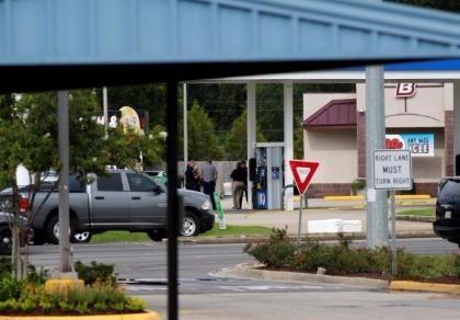Cảnh sát Mỹ lại bị tấn công, ba người chết