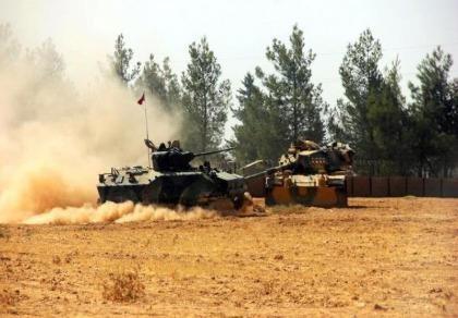 Xe tăng, máy bay Thổ Nhĩ Kỳ vào Syria