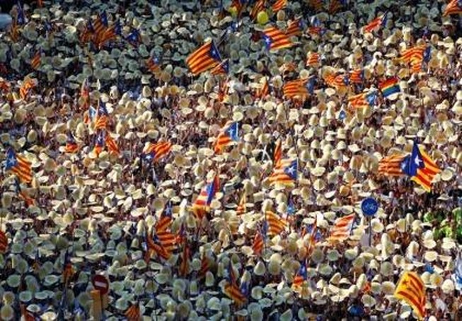 Hàng trăm ngàn người biểu tình đòi tách khỏi Tây Ban Nha