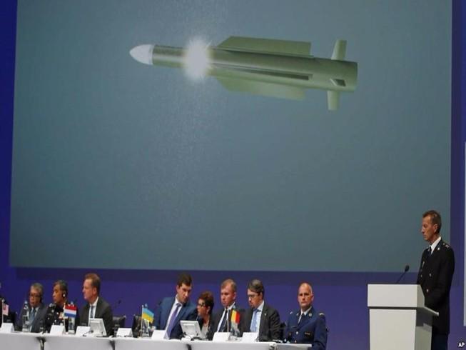 Úc sẽ làm áp lực với Nga, truy tố kẻ bắn rơi MH17