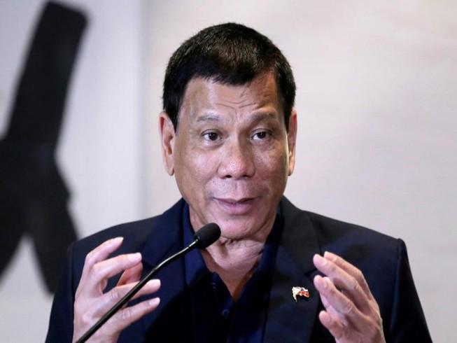 Rời Trung Quốc, ông Duterte lại nói cần Mỹ