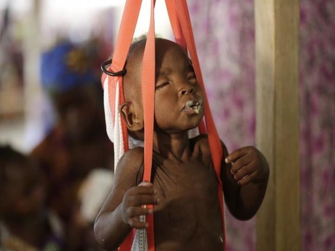 Hàng ngàn trẻ em chết đói tại Nigeria