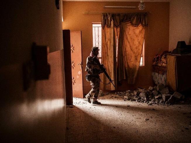 Iraq tái chiếm được 30% thành trì Mosul của IS