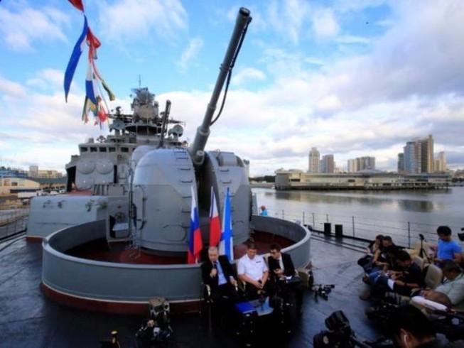 Nga: Sẵn sàng bán tàu ngầm, máy bay cho Philippines