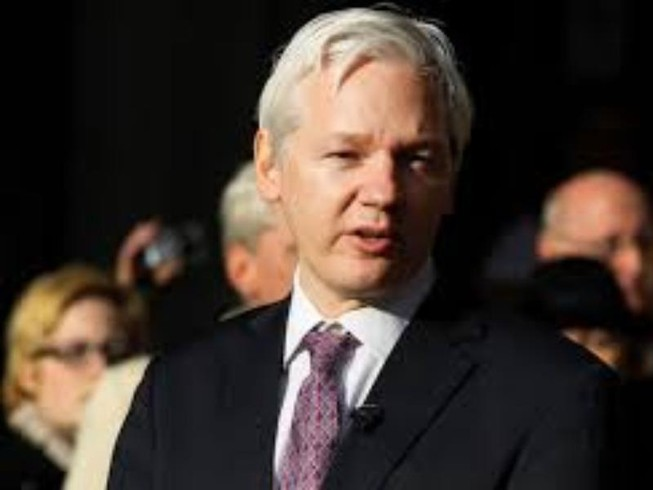 WikiLeaks treo 20.000 USD ngăn Obama 'tiêu hủy lịch sử'