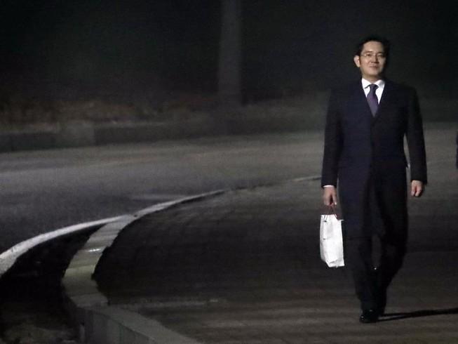 Công tố viên sẽ tiếp tục xin lệnh bắt Thái tử Samsung