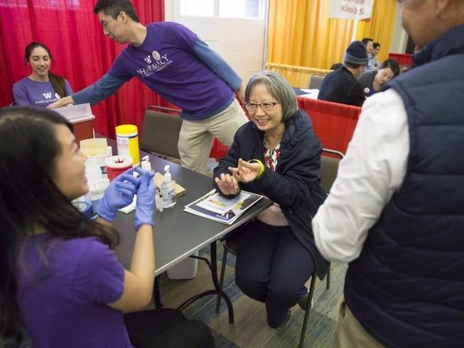 Người Việt tại Seattle khám bệnh miễn phí dịp Tết