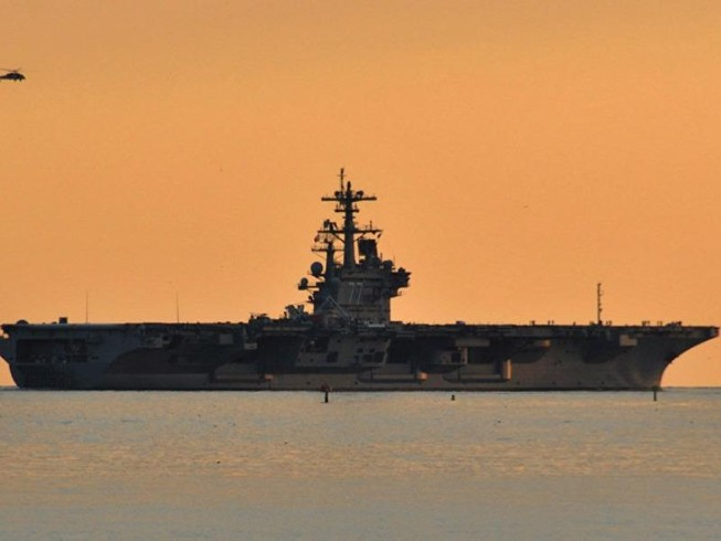 Mỹ tiếp tục đưa tàu sân bay tới 'trấn' Trung Đông
