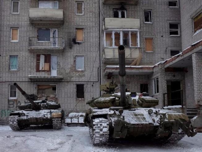 Bà Merkel và ông Putin điện đàm chiến sự Ukraine