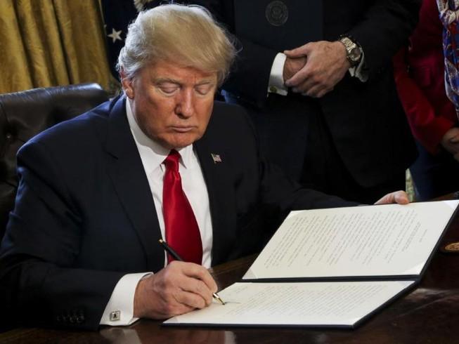 Thua ở tòa, ông Trump muốn ra lệnh cấm nhập cư mới