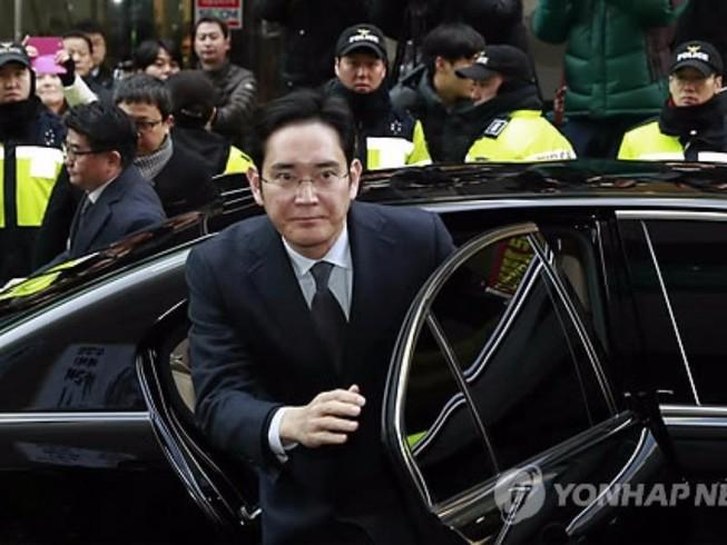 'Thái tử' Samsung trình diện chịu thẩm vấn vòng 2