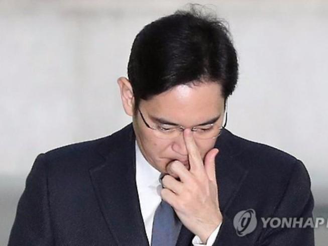 Đảng đối lập Hàn Quốc hoan nghênh bắt 'Thái tử' Samsung