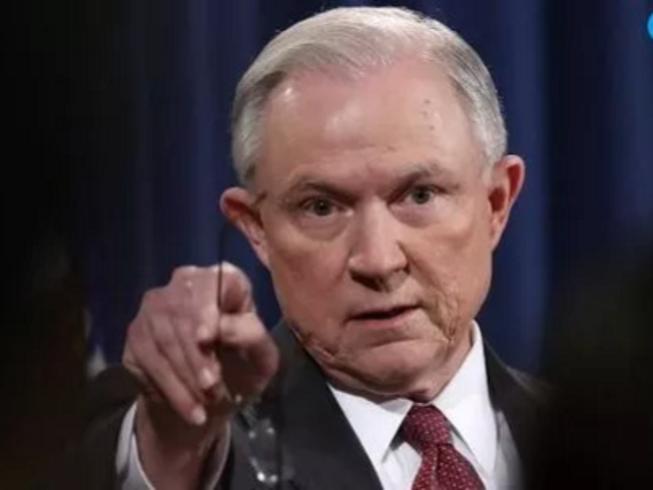 Chính phủ Trump đòi 46 trưởng công tố thời Obama ra đi